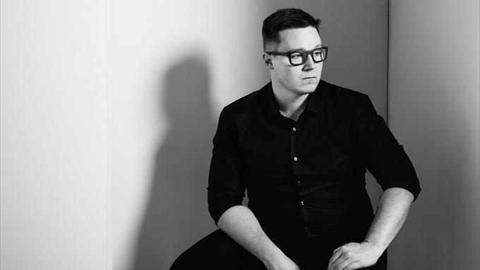 Linkki tapahtumaan Kirjailijavieraana Heikki Herlin: etätapahtuma