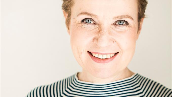 Linkki tapahtumaan Etätapahtuma - kirjailijavieraana Sirpa Kähkönen